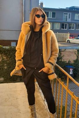 kabát hnedý
