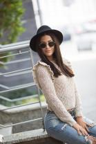 pulover béžový