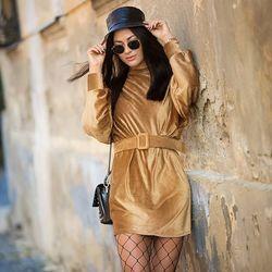 Prepadli ste koňakovej? Farba, ktorá je v sezóne MUST HAVE ================ #ALLORA #alloragang #madeinitaly #italianfashionstore #fashionshop #italyfashion #nitra #instasvk #dnesobliekam #dnes #dnesobuvam #modaitaliana #modaprezeny #damskamoda #saty #šaty