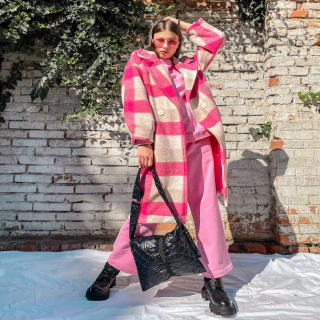 NEW IN  Milovníčky ružovej si prídu na svoje💓 Ružový žiarivý kabátik považujem za MUST HAVE, farba je prekrásna🤲🏻  nájdeš na našom webe www.allora.sk /  cz  #pinkcoat #pinkaesthetic #coat #newcollection #pinkinspiration #inspiration #ootdinspiration #ootd #dnesnosim #dnesobliekam👗 #fashioninspo