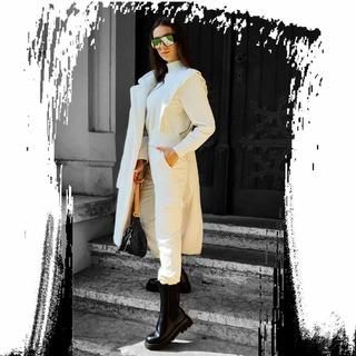 Bielej sa ani v zime nevzdávame a zaradili sme skvelé kombá do ponuky ALLORA.sk .  .  .  .#ALLORA #alloragirls #slovakwomens #slovakgirls #czekgirls #modaitaliana #italianfashionstore #fashionstore #streetphotography #newin #modaitaliana